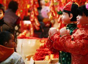 Habits traditionnels et couleurs de fêtes