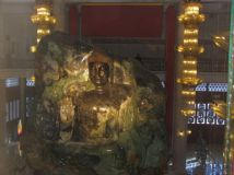 le bouddha sakyamuni en jade